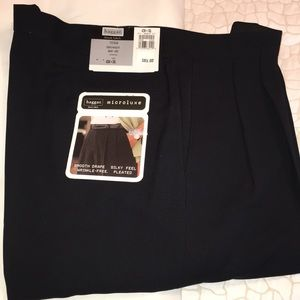 Other - NWT Men's Haggar Black Pleated Dress Pant -Size 42